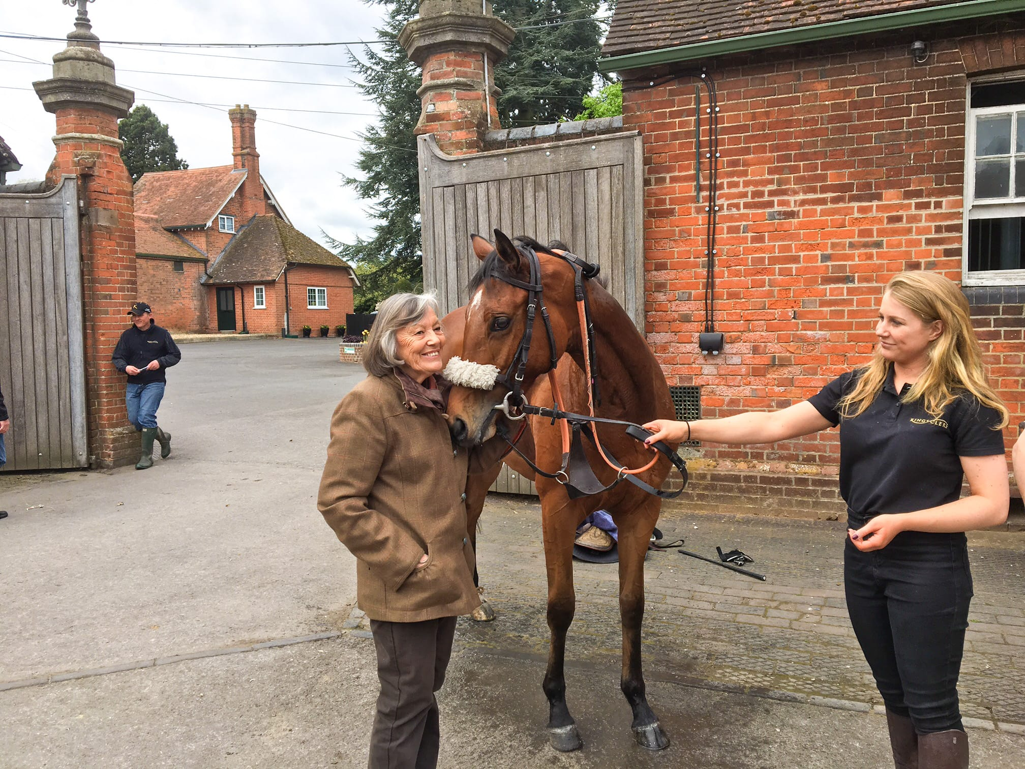 Owner meets Golden Salute at Kingsclere